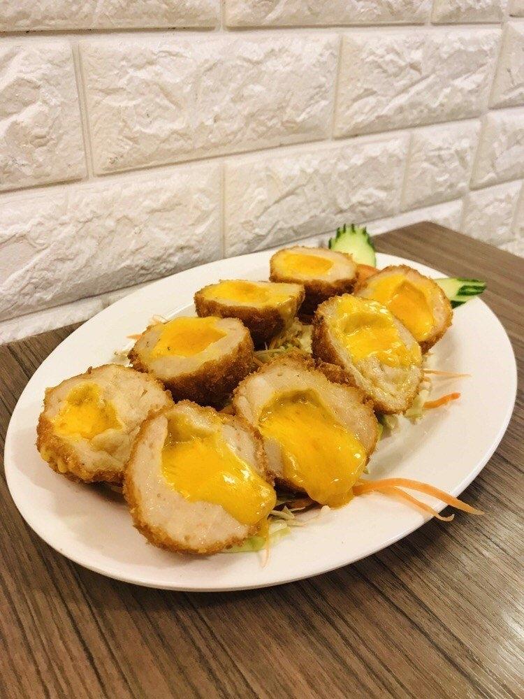 九龍城美食/泰象館/泰式炸蝦餅的進化版,味道一流,雖然份量不算多,但炸物加芝士會有種邪惡感~~