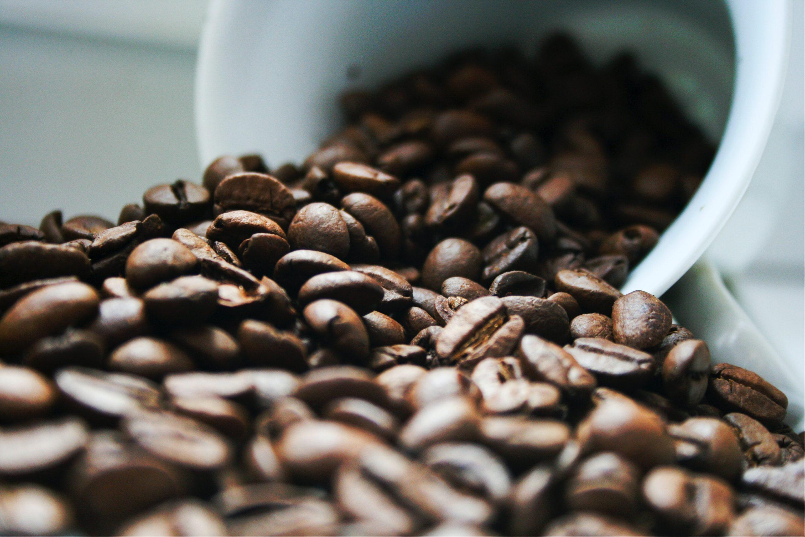 生酮飲食無糖黑咖啡和無糖茶,對生酮飲食者非常友善,但如果是習慣喝咖啡加牛奶的人,那就要注意了